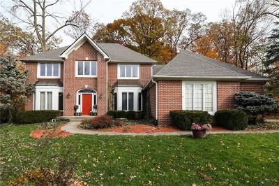 Indianapolis Single Family Home For Sale: 11520 Woods Bay Lane