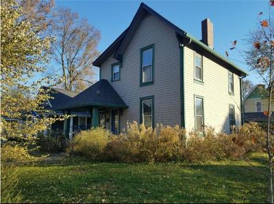 Single Family Home For Sale: 1401 Pleasant Street