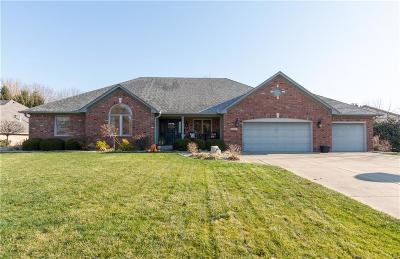 Johnson County Single Family Home For Sale: 1301 Hillside Drive