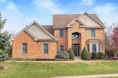 Fishers Single Family Home For Sale: 11811 East Hollyhock Drive