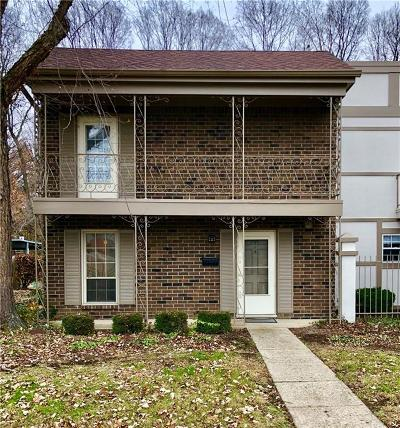 Indianapolis Condo/Townhouse For Sale: 5515 Garden Walk Drive