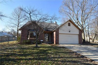Indianapolis Single Family Home For Sale: 6706 Oak Lake Drive