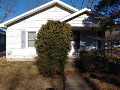 Delaware County Single Family Home For Sale: 2318 East 8th Street