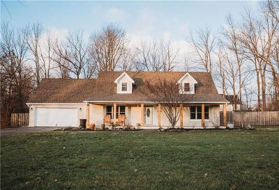 Mc Cordsville, Mccordsville Single Family Home For Sale: 9861 Oakleaf Way