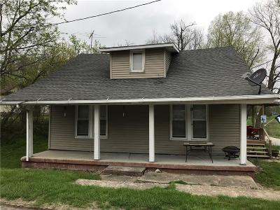 Greencastle IN Single Family Home For Sale: $74,000