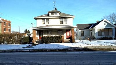 Single Family Home For Sale: 1705 South East Street