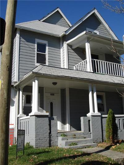 Single Family Home For Sale: 2902 North Kenwood Avenue