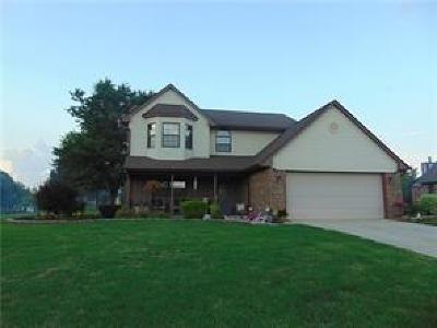 Whiteland Single Family Home For Sale: 500 Meadowlark Court