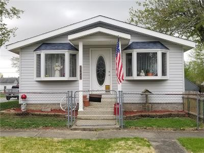 Elwood IN Single Family Home For Sale: $159,900