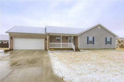 Decatur County Single Family Home For Sale: 1017 South Creek Dr E