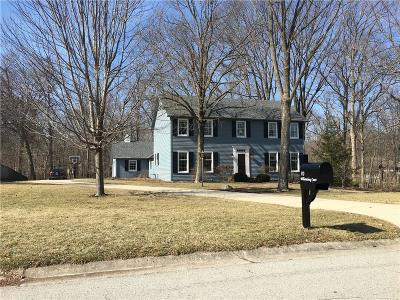 Zionsville Single Family Home For Sale: 70 Williamsburg Court