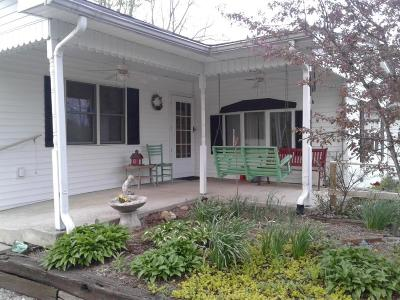 Mooresville Single Family Home For Sale: 6706 East Spring Lake Road