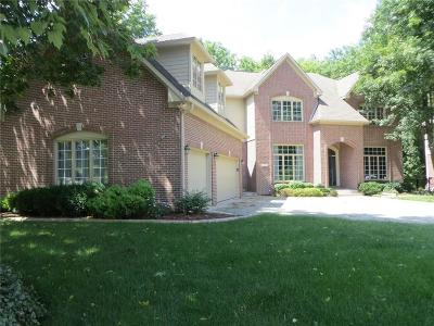 Fishers Single Family Home For Sale: 9756 Woodlands Drive