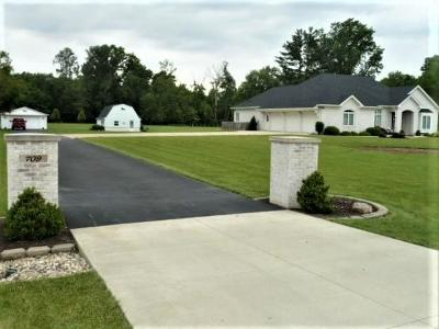 Madison County Single Family Home For Sale: 709 West Us Highway 36