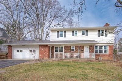 Bloomington Single Family Home For Sale: 1511 East Maxwell Lane