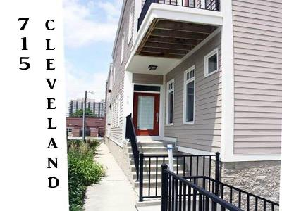 Indianapolis Condo/Townhouse For Sale: 715 North Cleveland Street