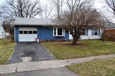 Indianapolis Single Family Home For Sale: 7602 East 35th Street
