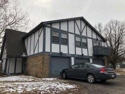 Indianapolis Condo/Townhouse For Sale: 3696 North Tudor Park Drive