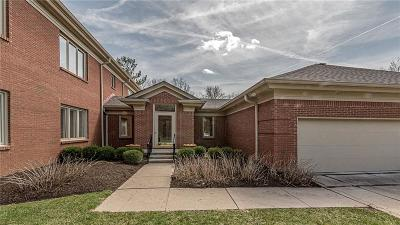 Indianapolis Condo/Townhouse For Sale: 6550 Meridian Parkway #6C