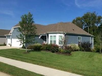 Columbus Single Family Home For Sale: 6106 Pelican Lane