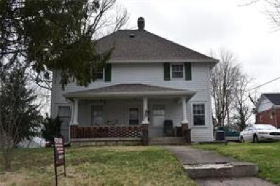 Greencastle Single Family Home For Sale: 201 South Locust Street