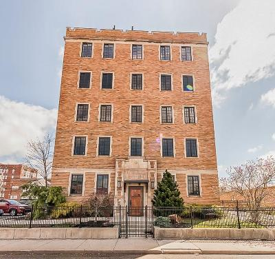 Indianapolis Condo/Townhouse For Sale: 825 North Delaware Street #2C