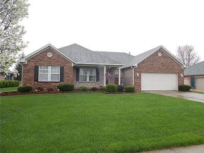 Brownsburg Single Family Home For Sale: 655 Sycamore Street