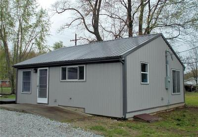 Butlerville Single Family Home For Sale: 8240 East Railroad Street