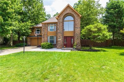 Indianapolis Single Family Home For Sale: 6901 Bluffgrove Court