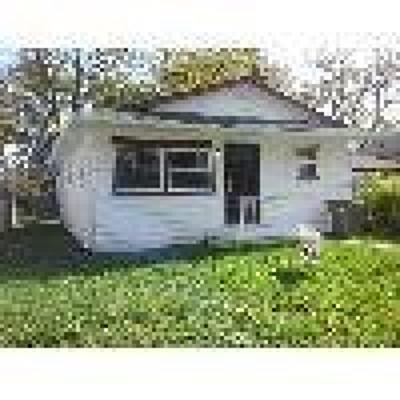 Indianapolis Single Family Home For Sale: 1161 Groff Avenue