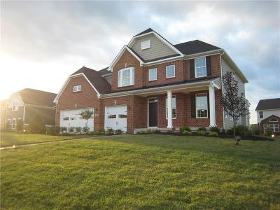 Zionsville Single Family Home For Sale: 4522 Golden Eagle Court