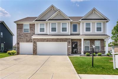 Noblesville Single Family Home For Sale: 10164 Pepper Tree Lane