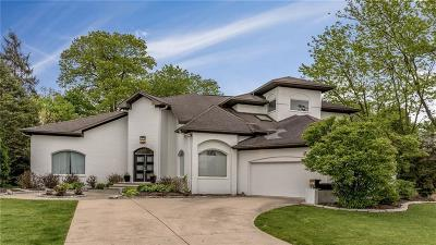 Indianapolis Single Family Home For Sale: 8517 Oakmont Lane