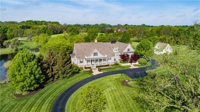 Zionsville Single Family Home For Sale: 7256 Hunt Club Drive