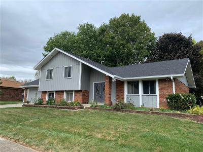 Indianapolis Single Family Home For Sale: 1108 Selkirk Lane