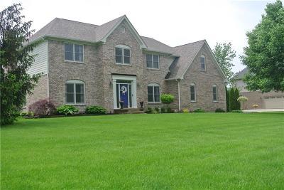 McCordsville Single Family Home For Sale: 6041 Crossfield Trail