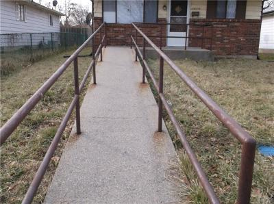 Indianapolis Single Family Home For Sale: 1022 Medford Avenue