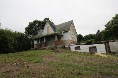 Indianapolis Single Family Home For Auction: 5110 South Meridian (Old) Street