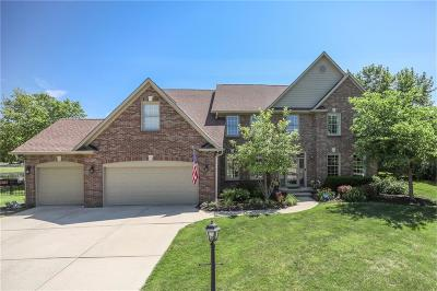 Fishers Single Family Home For Sale: 10308 Woods Edge Drive