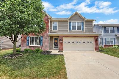 Noblesville Single Family Home For Sale: 15533 Blair Lane