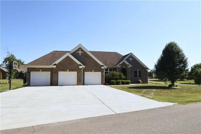 Johnson County Single Family Home For Sale: 703 East Davis Drive