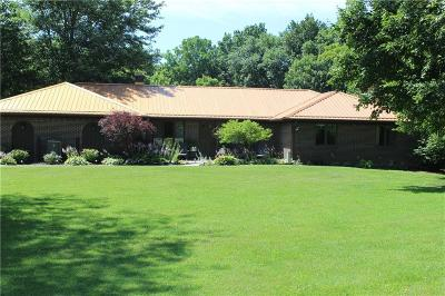 Greencastle Single Family Home For Sale: 950 East County Road 425 N