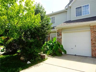 Indianapolis Condo/Townhouse For Sale: 6567 Green Haven Place #B