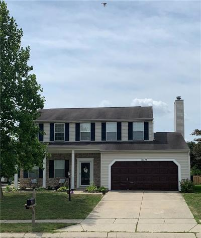 Fishers Single Family Home For Sale: 12423 Carriage Stone Drive