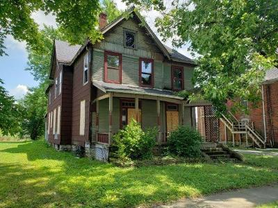 Rushville Single Family Home For Sale: 420 North Harrison Street