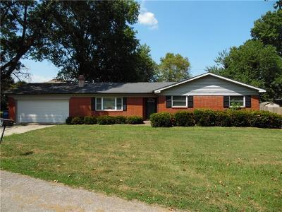 Shelbyville Single Family Home For Sale: 408 Tailholt Lane