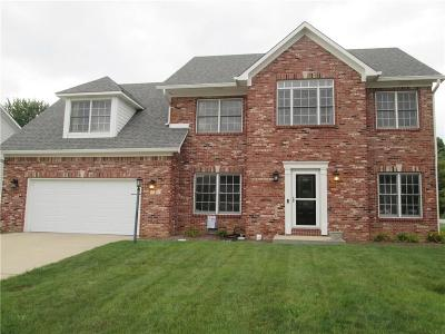 Brownsburg Single Family Home For Sale: 8 Oakmont Drive