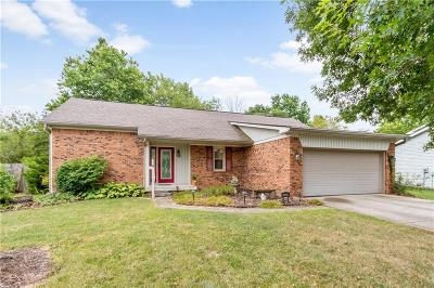 Indianapolis Single Family Home For Sale: 7423 Fairway Circle East Drive #E