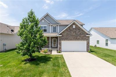 McCordsville Single Family Home For Sale: 8720 North Deer Crossing Boulevard