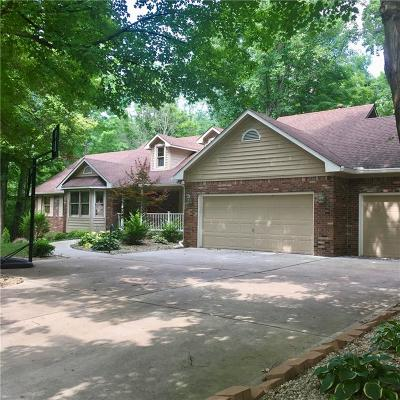 Indianapolis Single Family Home For Sale: 8936 Woodacre Lane